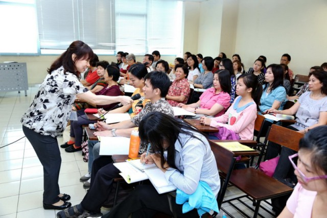授课教师与参加者灵活互动