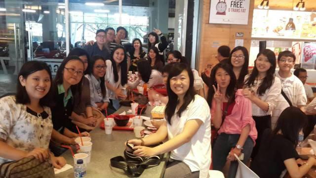 中文系学生会成员一起合照