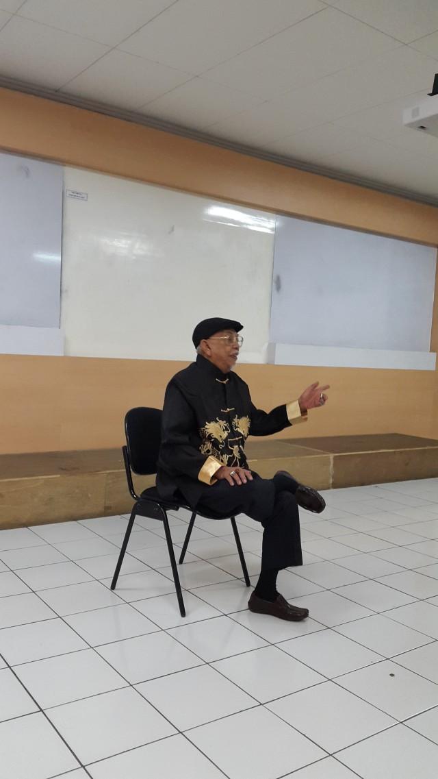"""Pak Udin sebagai pembicara workshop """"Kuamia"""""""