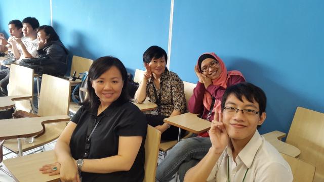 许主任,付老师,林老师和学生合照