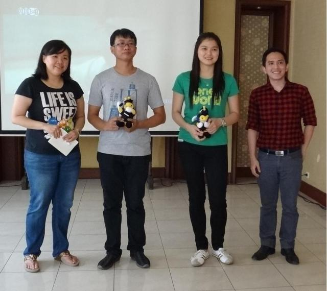 左,中文系系主任Andyni老师,校友会主席与副主席,BARC (Binus Alumni Relation Center)