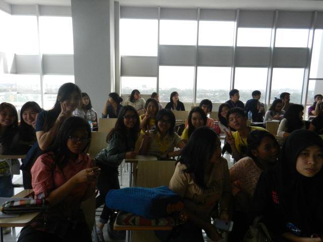 中文系学生参加该研讨会
