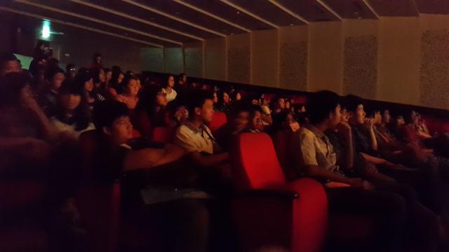 精彩的演出吸引很多观众