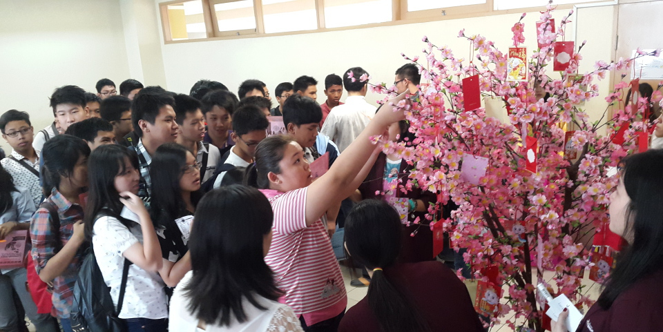 """""""The Culture"""" 28 Februari 2015 Fashion Show and Lucky Draw Hongbao"""