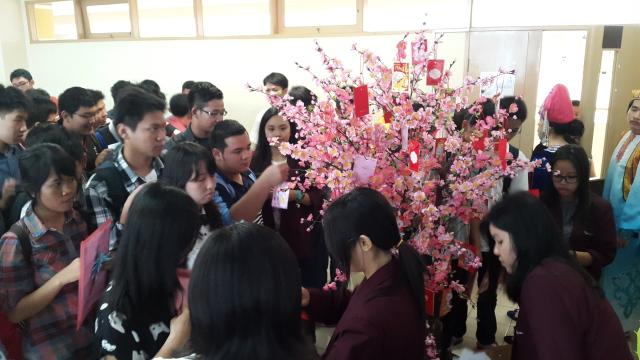学生派对拿红包兑换礼品