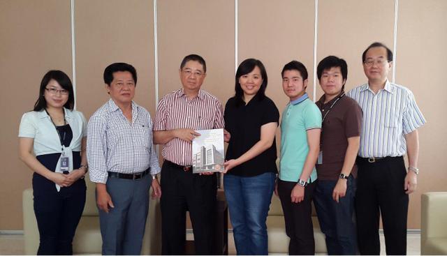陈老师、饶副主席、吴秘书长、许主任、林老师、洪老师、黄副主席(左右序)