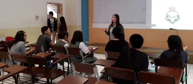 Sharing pengalaman belajar di Sastra China BINUS oleh alumni, Tiara Marliani