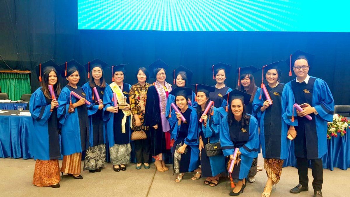 Selamat kepada Binusian Sastra China di Wisuda 60