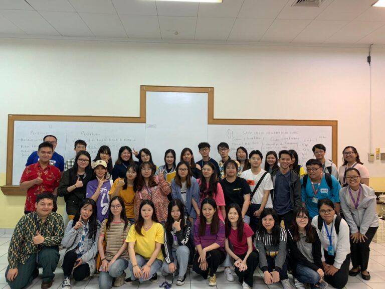 中国印尼语专业交换生与建国大学中文系学生共同学习活动